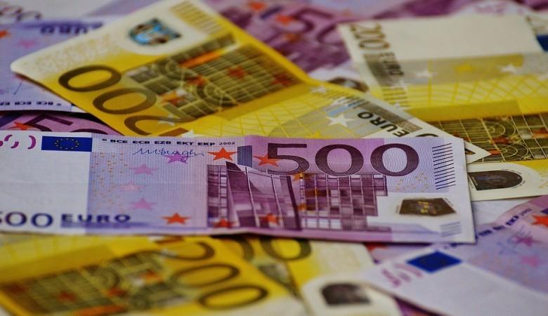 Курс евро поднялся выше 91 рубля впервые с 2016 года