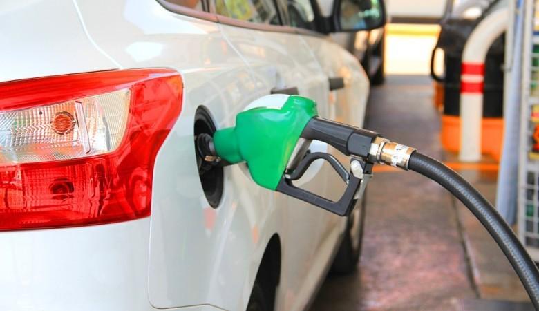 В России резко вырос объем штрафов за продажу некачественного топлива на АЗС