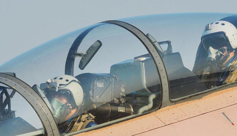 Су-30 ВМС Китая совершил аварийную посадку из-за отказа двигателя