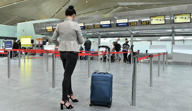 Пассажиров самолета эвакуировали в аэропорту Кемерово из-за сообщения о