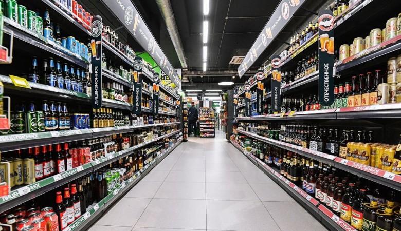 Россияне стали экономить на алкоголе, но не на пиве с водкой