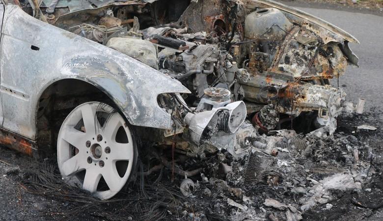 Полиция на Алтае завела дело после гибели 3 человек в автоаварии с Mercedes Gelandewagen