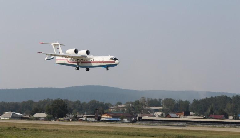 Самолет Бе-200 будет тушить пожары в Иркутской области, где горит 19,7 тыс. га леса