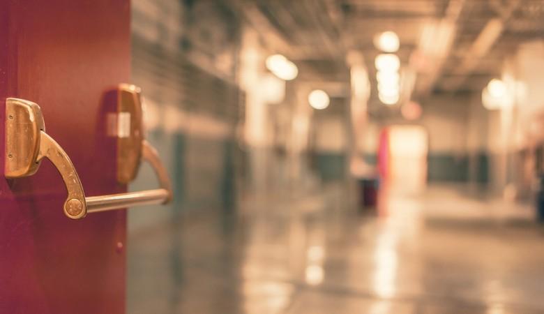 Коронавирус подтвержден у более чем 400 сотрудников и пациентов медорганизаций на Алтае
