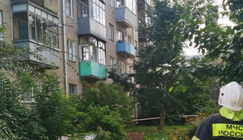 В районе жилого дома в Барнауле, где взорвался газ, ввели локальный режим ЧС