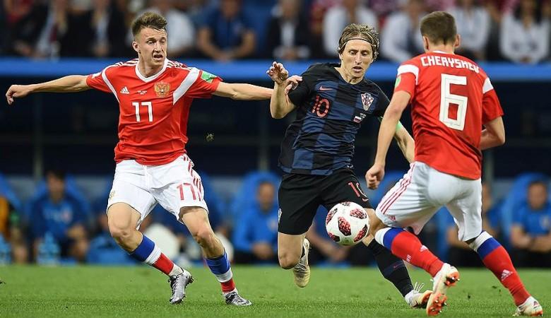 Россияне в финале ЧМ больше болеют за хорватов, но фаворитом называют Францию