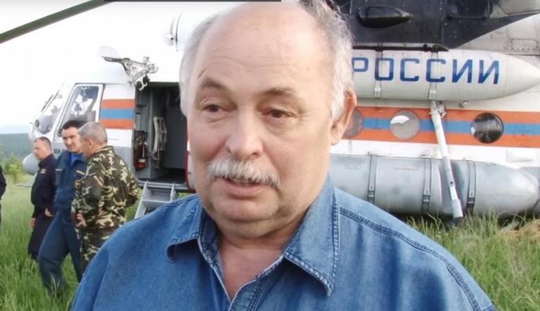 Мэр, использовавший спецтехнику для очистки своей усадьбы после иркутского наводнения, ушел в отставку