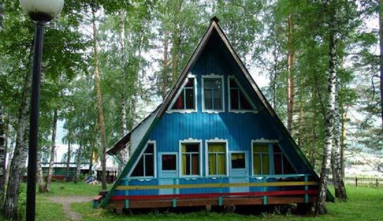 На Алтае из-за вспышки ковида приостановили работу детского лагеря «Манжерок»