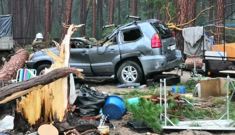 Спасатели разобрали завалы в палаточном лагере в Красноярском крае