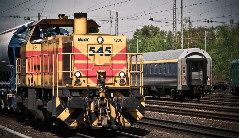 На железнодорожной станции от удара током погиб подросток в Красноярском крае