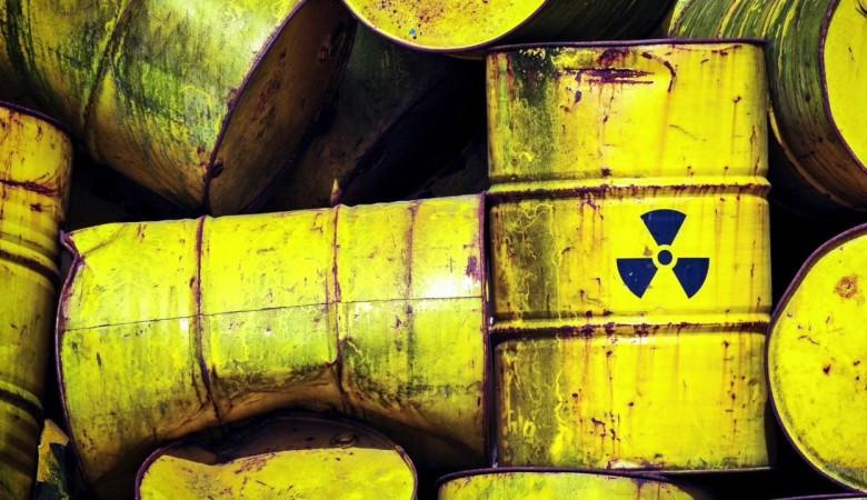 На Алтае бизнесмен загрязнял окружающую среду, сливая химические отходы в почву Бийска