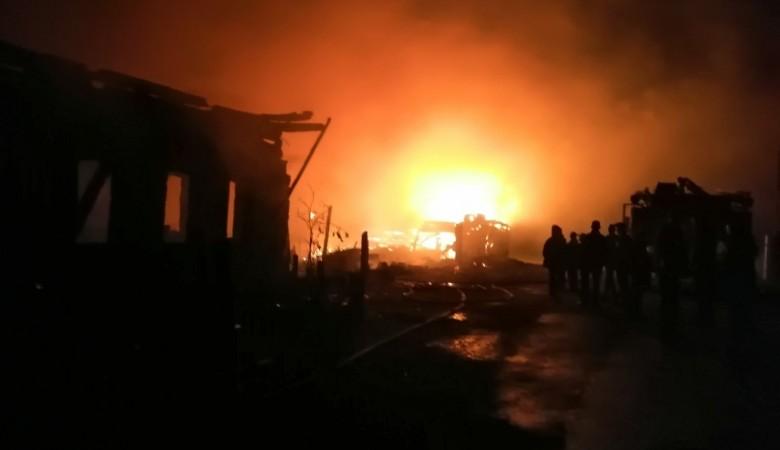 Пять человек погибли при пожаре дома в Иркутской области