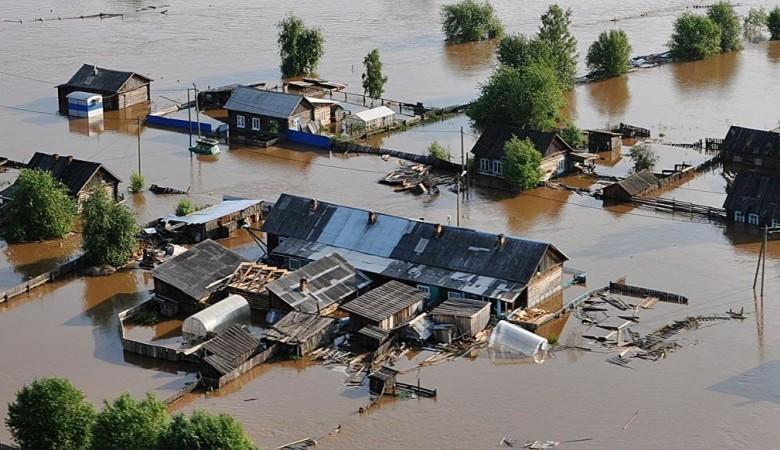 Несколько десятков домов Тулуне все еще находятся в воде после наводнения - МЧС