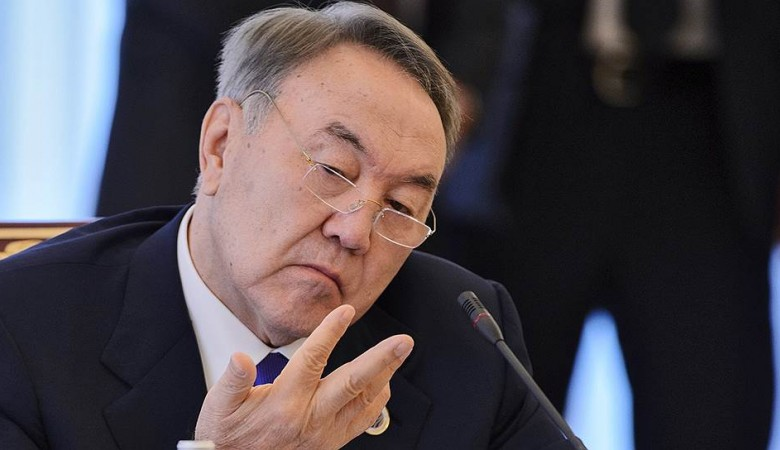 Парламент Казахстана закрепил за Назарбаевым право пожизненно возглавлять Совбез