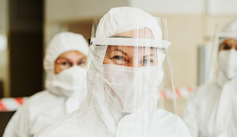 Минздрав: в 2021 году от коронавируса планируется привить 30% жителей Красноярского края