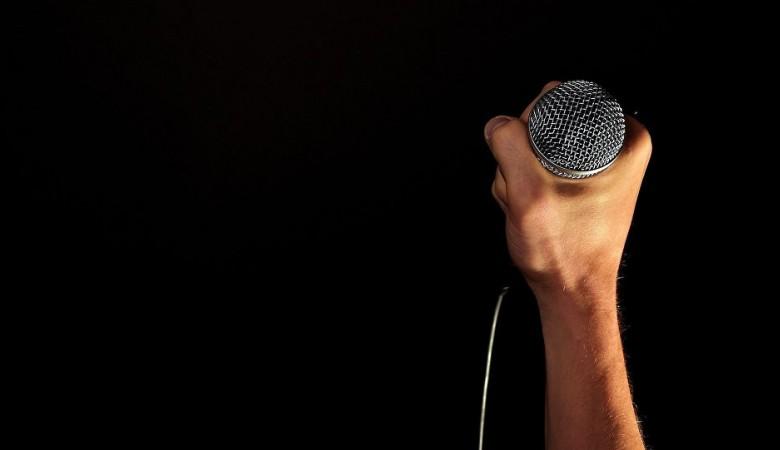 Рэпер в Кузбассе ограбил назойливых поклонников, возбуждено дело
