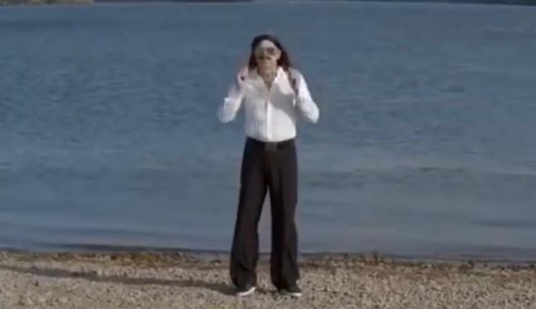 «В Байкал не ссы»: За критику озера бывший мэр Иркутска ответил Прусикину пародией на него
