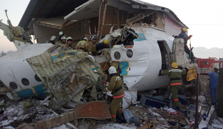 Черный ящик упавшего в Казахстане самолета будет передан для расшифровки в МАК