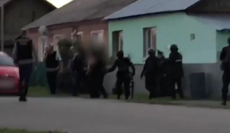Пенсионер в Кемеровской области убил соседа и ранил его 14-летнего сына