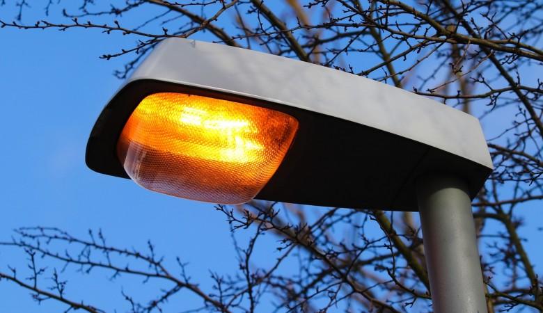 Житель Хакасии врезался в столб и оставил без света половину города