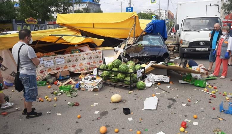 Восемь человек пострадали в результате наезда на пешеходов автомобиля в Омске