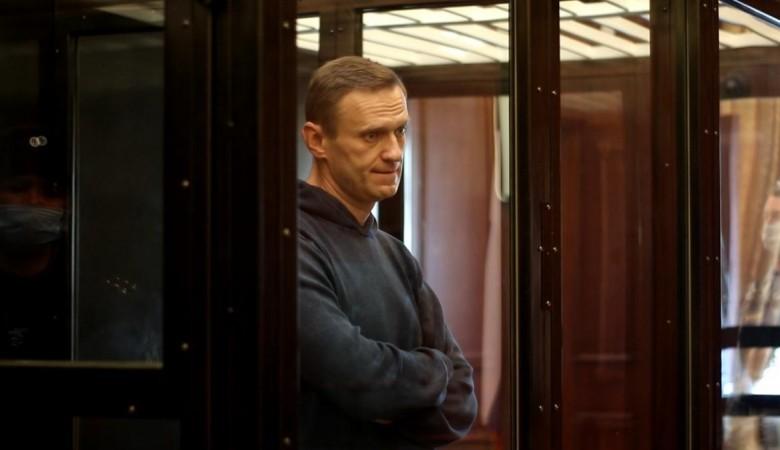 «Не поверите, но мы сушим сухари». Навальный рассказал, чем занимается в СИЗО