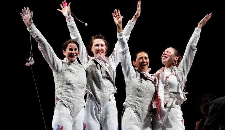 Российские рапиристки победили в командном турнире на Олимпиаде