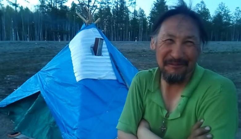Якутский шаман отправился пешком в Москву, чтобы «изгнать» Путина
