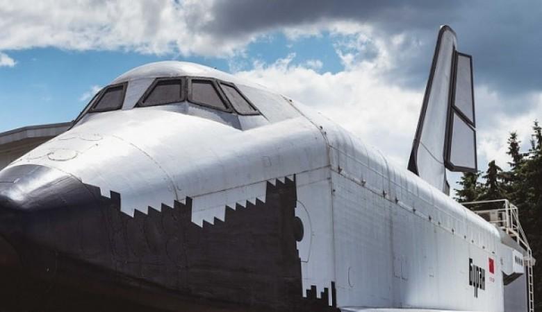 В Барнауле установили макет космического корабля «Буран» за 9 млн рублей