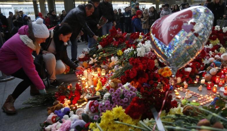 Власти Алтая окажут помощь семье погибшей в авиакатастрофе стюардессе