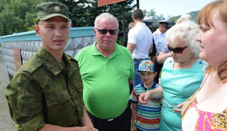 Глава Республики Алтай отправил своего внука в армию