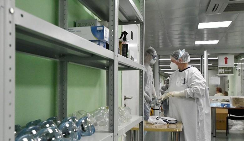 В России за сутки 14 057 человек заразились коронавирусом