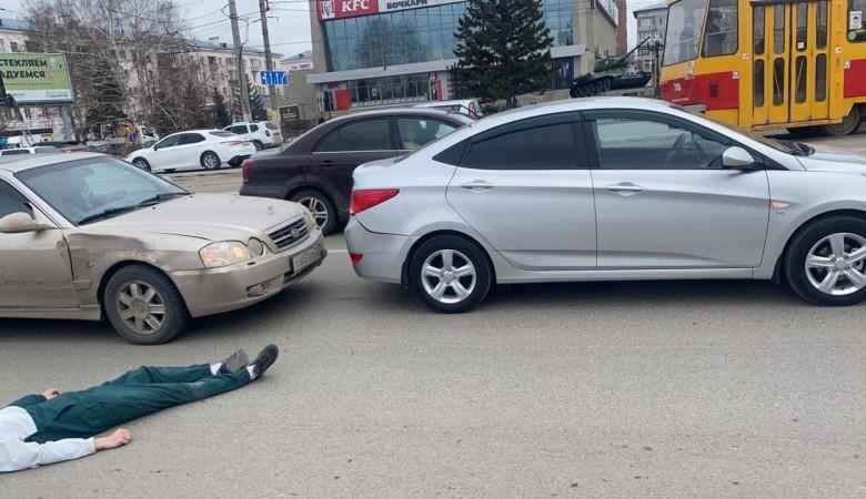 Пьяный житель Барнаула устроил ДТП и лег отдыхать на проезжую часть