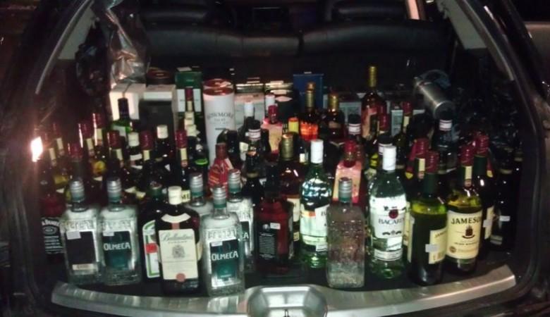 В Омской области алкоголем торговали на трассе