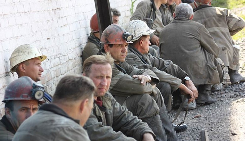 На Тейском руднике остались 90 человек – остальных уволили