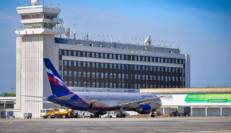 Самолет Airbus A330, у которого отвалилась покрышка, приземлился в Хабаровске