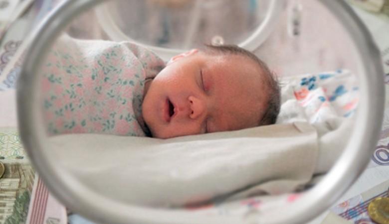 Алтайского врача осудят за убийство новорожденной девочки