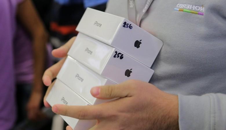 Жителя Забайкалья оштрафовали на 3 млн руб за контрабанду 100 кг iPhone