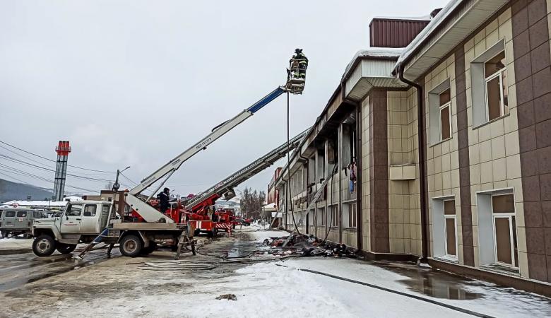 Пожар в ТЦ Горно-Алтайска полностью ликвидирован