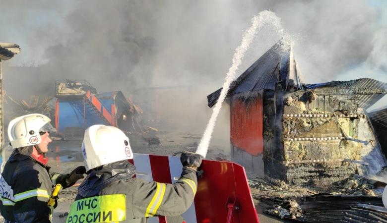 Ростехнадзор создал комиссию по расследованию причин взрывов на заправке в Новосибирске