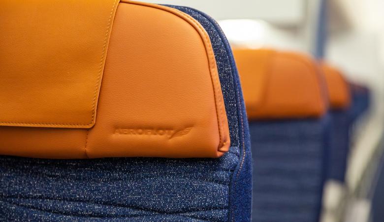 Летевший из Иркутска самолет экстренно сел в Новосибирске из-за самочувствия пассажира