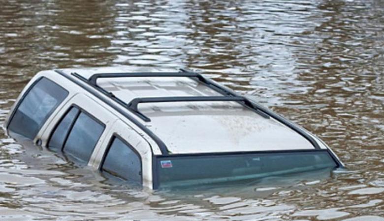 В Забайкалье в машине, скатившейся в озеро, погибли трое детей