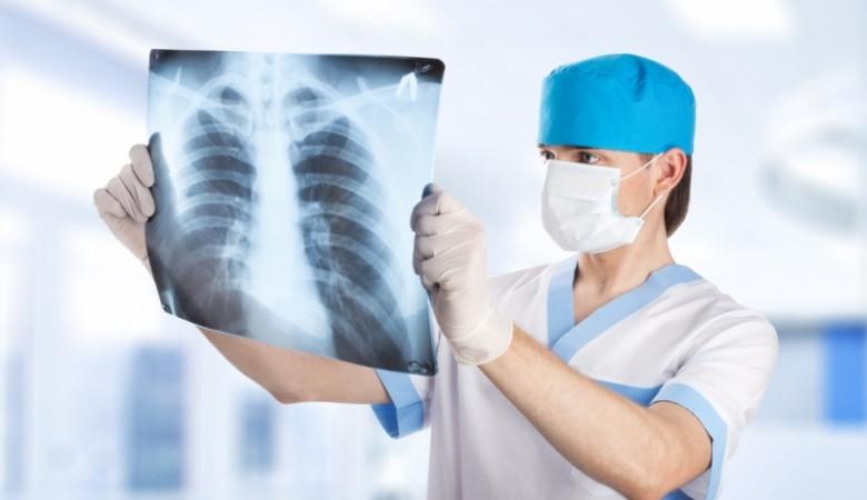 В детском центре Омска работала женщина с открытой формой туберкулеза