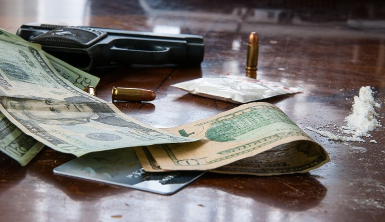 У бывшего омского милиционера нашли 5,5 кг героина