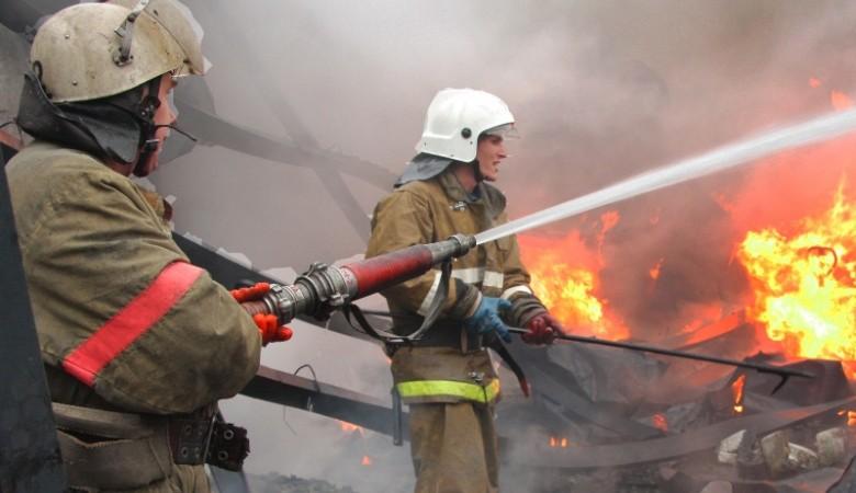 Пожар в Бурятии: спасены 30 человек, дом сгорел дотла