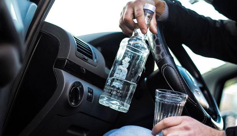 МВД и врачи решили делиться данными об алкоголиках и наркоманах за рулем