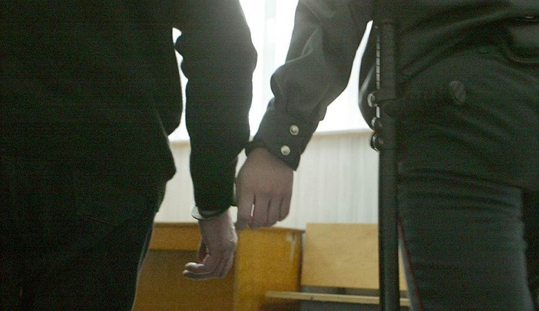 На Алтае следователь-насильник расследовал собственные преступления