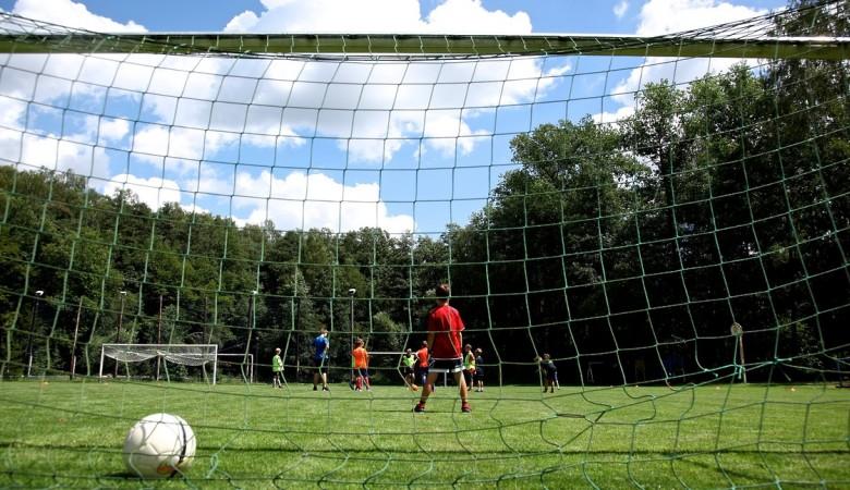 На Алтае возбуждено дело о халатности после падения футбольных ворот на шестилетнего ребенка