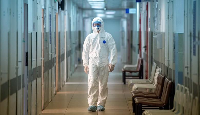 В России за сутки прибавилось 23 675 случаев коронавируса