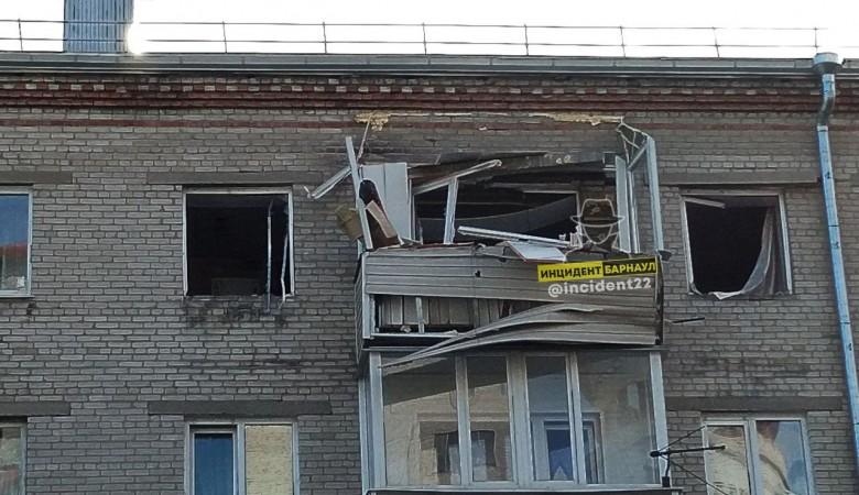 Взрыв газа произошел в многоэтажке в Барнауле, один человек пострадал